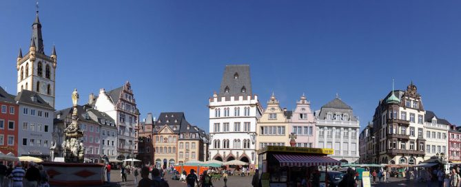 Weinstand am Hauptmarkt in Trier